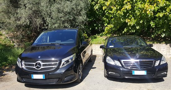 Letojanni, Italie : Our new Mercedes V and our Mercedes Sedan for your tours perfectly comfortable.