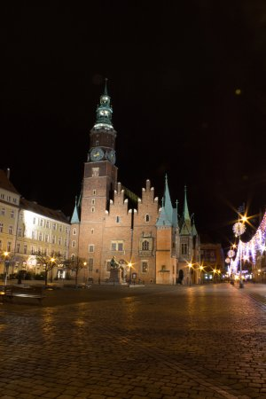 Wroclaw Town Hall : Night side view