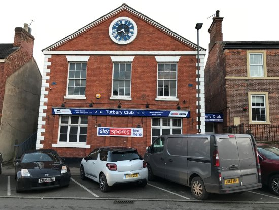 Tutbury, UK: Front of building