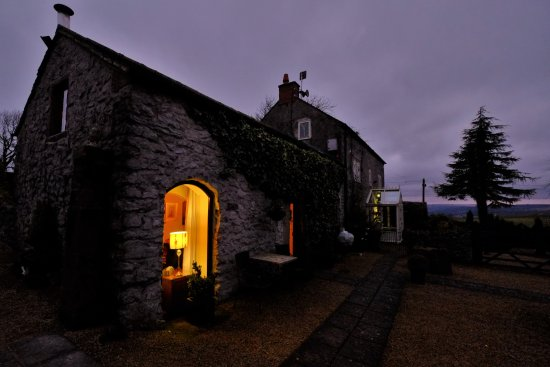 Winster, UK : When evening comes, simply relax