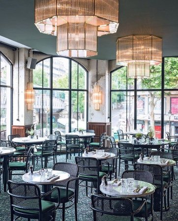 brasserie barbes paris montmartre restaurant reviews phone number photos tripadvisor. Black Bedroom Furniture Sets. Home Design Ideas