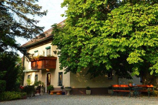 Sankt Georgen am Längsee, Austria: getlstd_property_photo