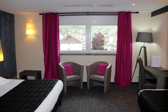 """Hotel La Jamagne: Chambre double ou triple  """"loft"""""""