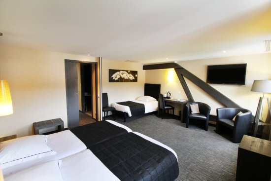 "Hotel La Jamagne: Chambre double ou triple ""PMR"""