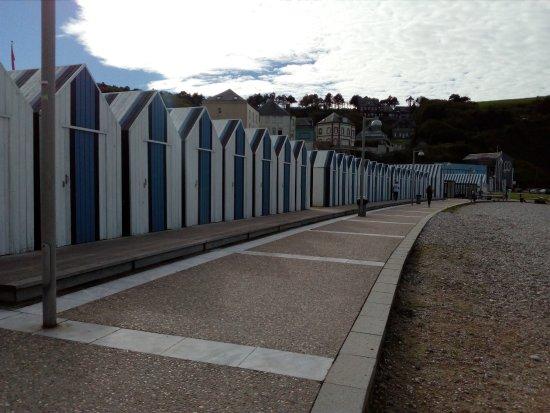 Quiberville, فرنسا: la plage de Quiberville (devant l'hôtel)