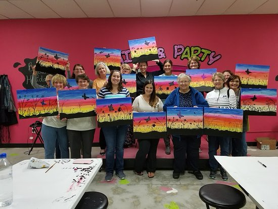 Masterpiece Mixers Paint Party & Pallet Studio
