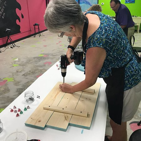 Masterpiece Mixers Paint Party & Pallet Studio: Pam shows how to use that drill with style!