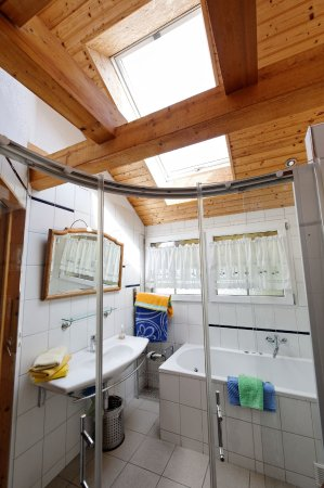 Swiss Holiday House: Sky Window for beautiful sunny ( double ) shower or bath