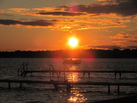 Houghton Lake, MI: Amazing sunsets