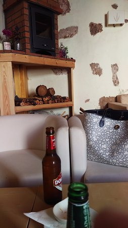 La Bodeguita De Guime: La Bodeguita de Güime - Chill out Bar Snacks