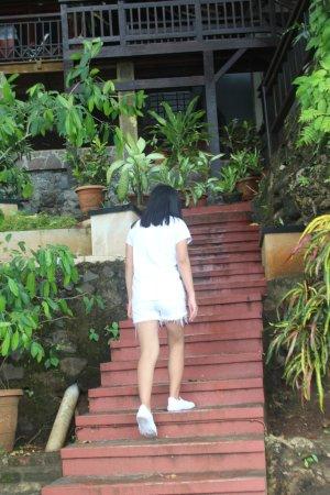 Bunaken Island, إندونيسيا: ini adalah tangga naik menuju ke resort dan distu juga banyak wisatan yang nginap