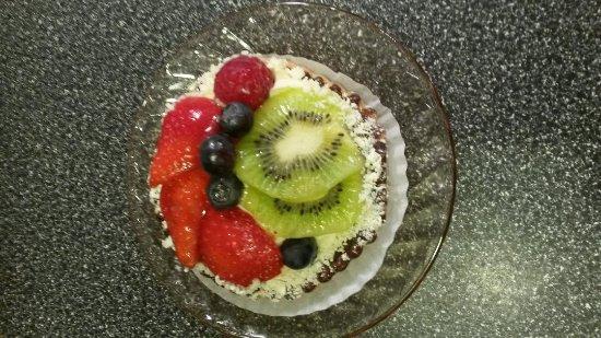 European Delight Bakery: Fruit Tart