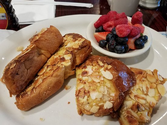 Bagel Tree Restaurant & Bakery Photo