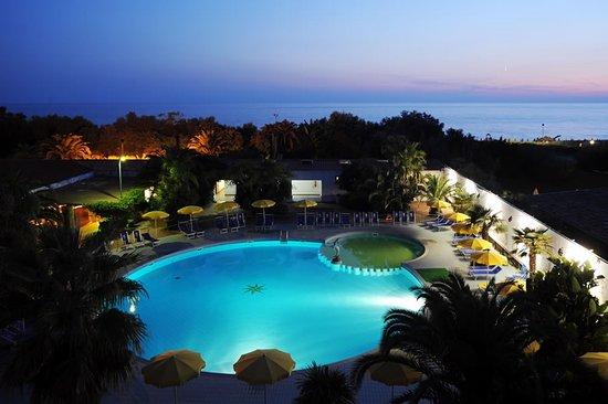 Risultati immagini per Marina club Hotel **** Baia Domizia (Caserta)