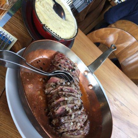Restaurant la route d 39 argent dans nasbinals avec cuisine for Restaurant nasbinals