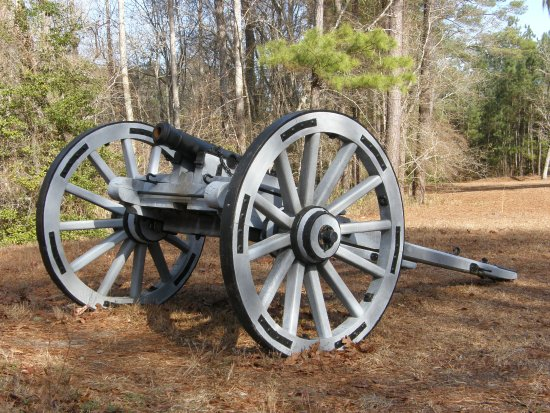 Currie, NC: Patriots had the advantage to two small cannon to use against the enemy.