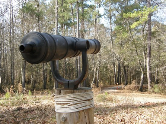 Currie, NC: A small naval cannon was used by patriot forces against the Scottish Highlanders.