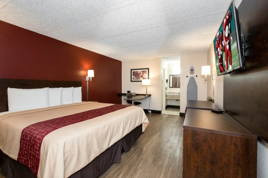Room With King Size Bed Picture Of Red Roof Inn