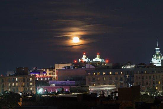 Capturing Savannah - Photography Tours : Moonrise over Savannah