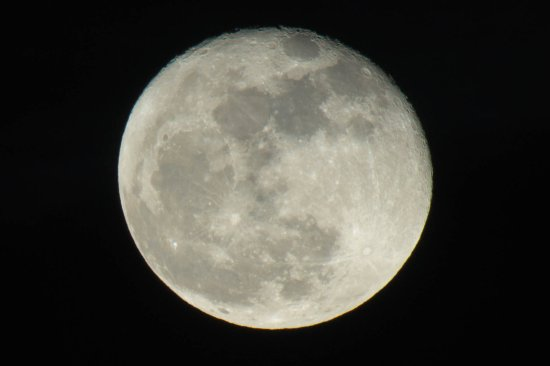 Capturing Savannah - Photography Tours : Best shot of the moon that I had ever got
