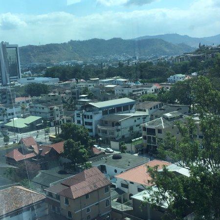 Courtyard by Marriott Guayaquil: photo1.jpg