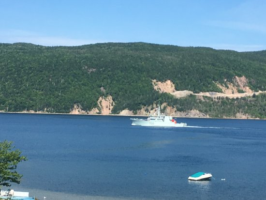 Big Bras d'Or, Canada: common sight of a boat coming in from the ocean