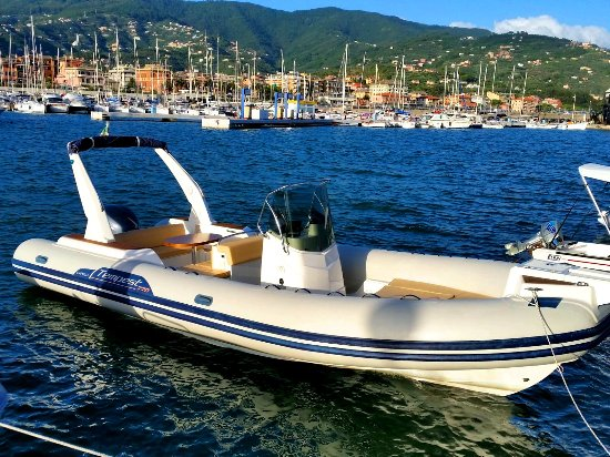 Slatine, Croazia: Capelli 770 Sun and yamaha 250