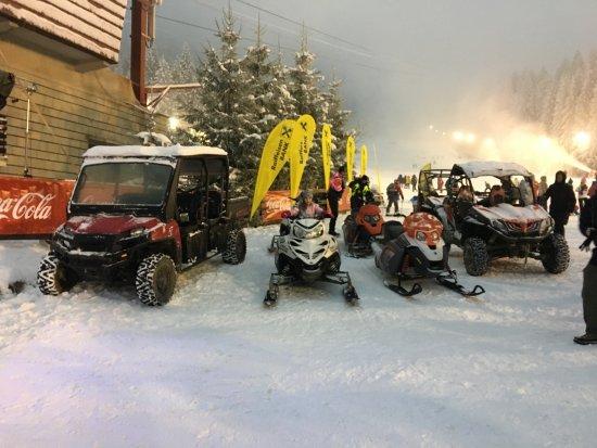 Snowmobile Atv Side By Side Ranger Bild Von Quad Team