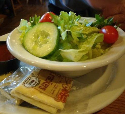 Cracker Barrel: Beaufitul salad!