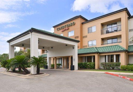 Courtyard Beaumont Updated 2017 Hotel Reviews Price Comparison Tx Tripadvisor