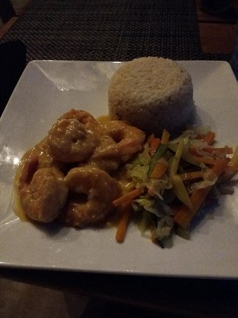 Bluefields, Jamaika: shrimp in coconut sauce. sorry i didnt get a pic for hubby's jerk chicken