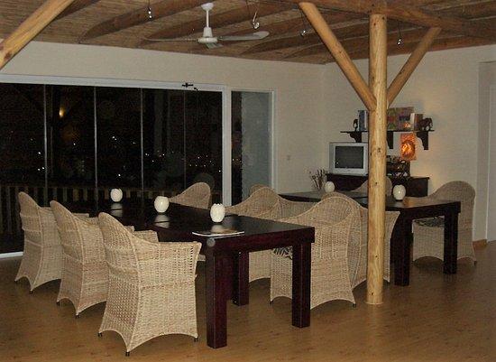 Cape Paradise Lodge and Apartments Photo
