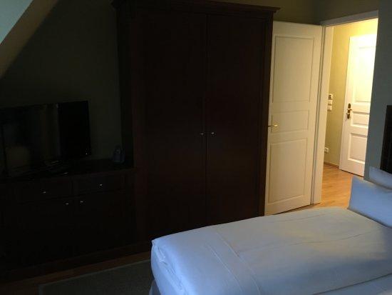 Schlafzimmer Mit 2 Fernseher Bild Von Louisa S Place Berlin