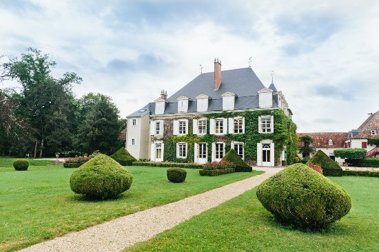 Laas, France: getlstd_property_photo