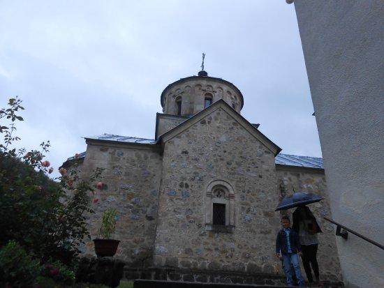 Loznica, Serbia: Manasir Tronosa