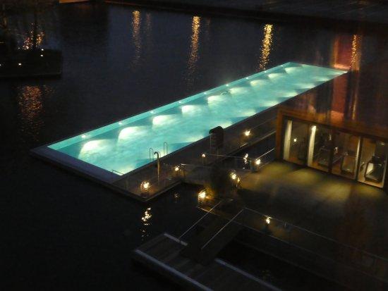 The Ritz-Carlton, Wolfsburg: Aussenpool - Wasser schön warm