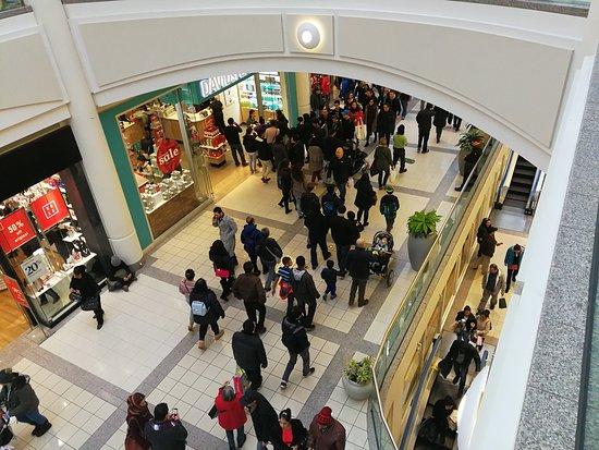 Metropolis At Metrotown: Metrotown on Boxing Day