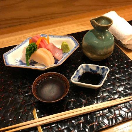Ajidokoro Takeya: 刺し身&清酒熱燗