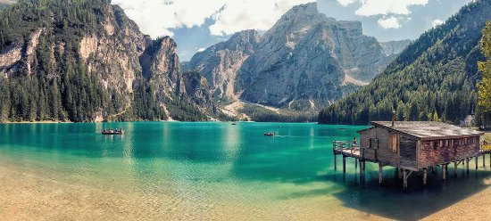 Больцано, Италия: Braies Lake