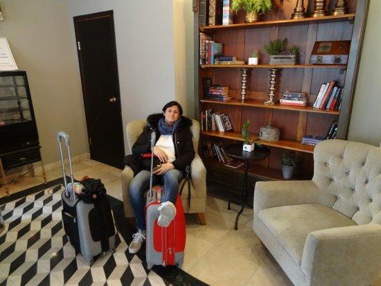Eldan Hotel: Una zona de Hall