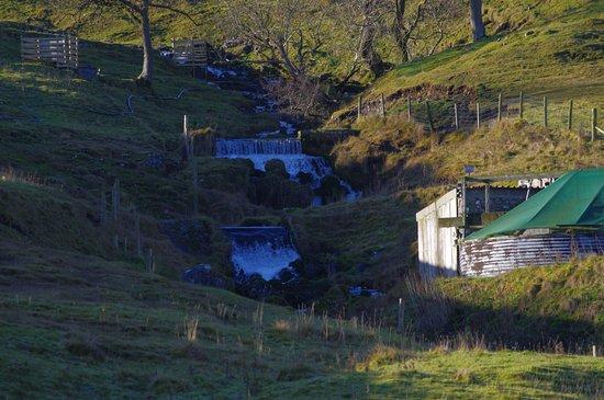 Kilnsey, UK: waterfalls on our walk to Litton village