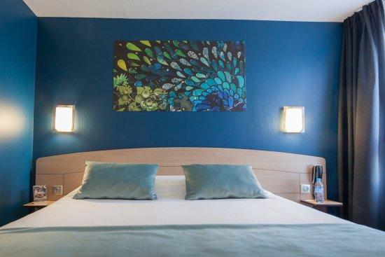 Kyriad niort hotel france voir les tarifs 157 avis et for Prix chambre kyriad