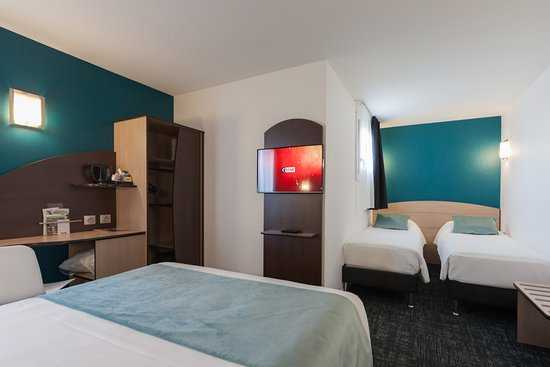 Kyriad niort hotel france voir les tarifs 158 avis et for Prix chambre kyriad