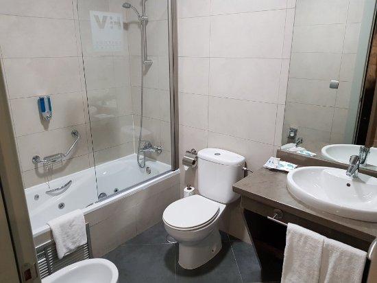 Hotel Vertice Sevilla Aljarafe : 20180203_005202_large.jpg