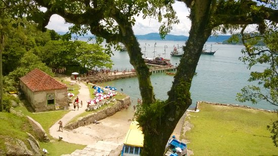 Fortaleza de Santa Cruz do Anhatomirim: Vista do pier da Ilha de Anhatomirim
