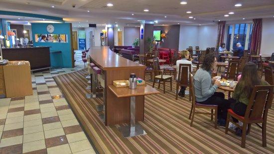 Holiday Inn Express Poole Photo
