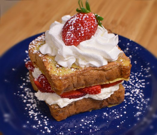 Persy's Place: Strawberry Stuffed French Toast