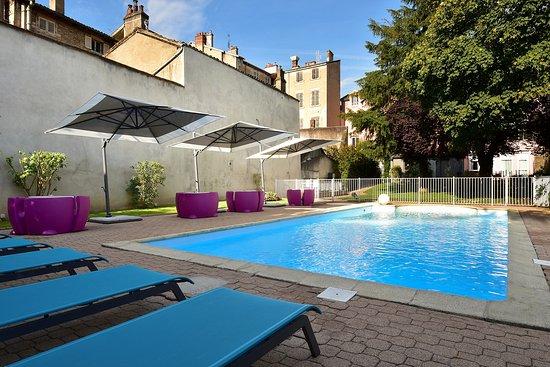 Ibis styles m con centre hotel france voir les tarifs for Tarif piscine macon