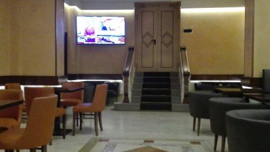 Hotel Diana Roof Garden : IMG_20171112_130242_large.jpg