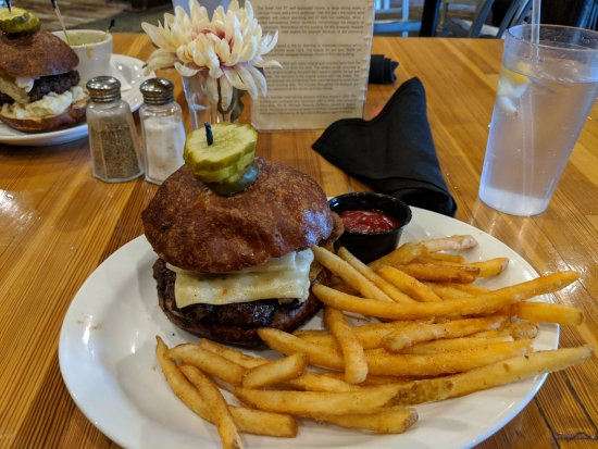 St. Nicholas Brewing Company: Double Trouble Burger